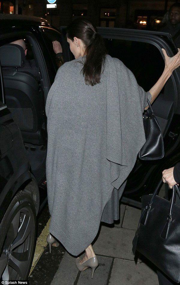 أنجلينا جولي ويدا العجوز
