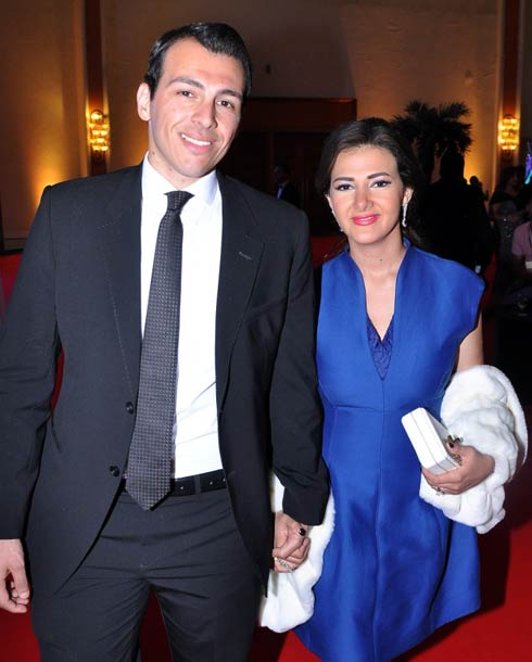 رامي رضوان يساند زوجته إيمي سمير غانم مجلة الجرس