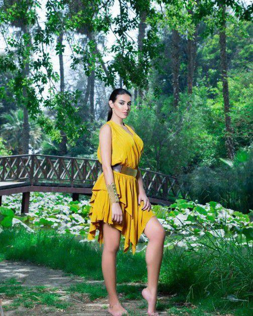 ياسمين صبري وإثارة بالغة بالأصفر القصير – بالصور | مجلة الجرس