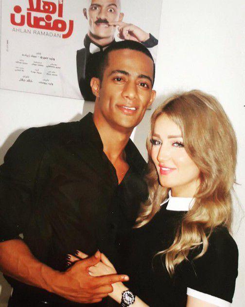 الفنان المصري محمد رمضان وزوجته
