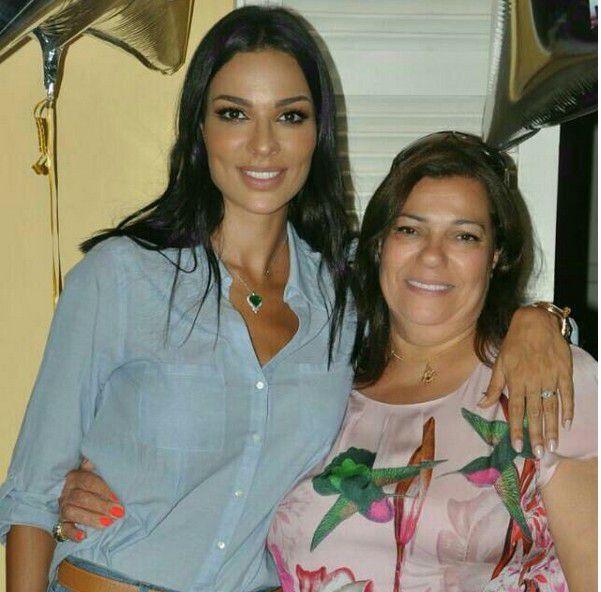 نادين نسيب نجيم مع والدتها