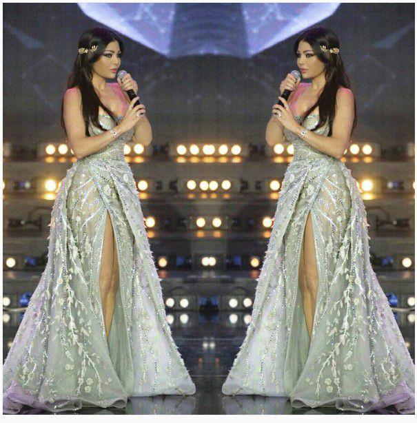 هيفا بأجمل فستان وإطلالة أنيقة