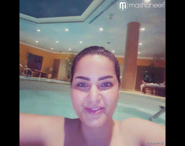 سما المصري عارية في حمام السباحة