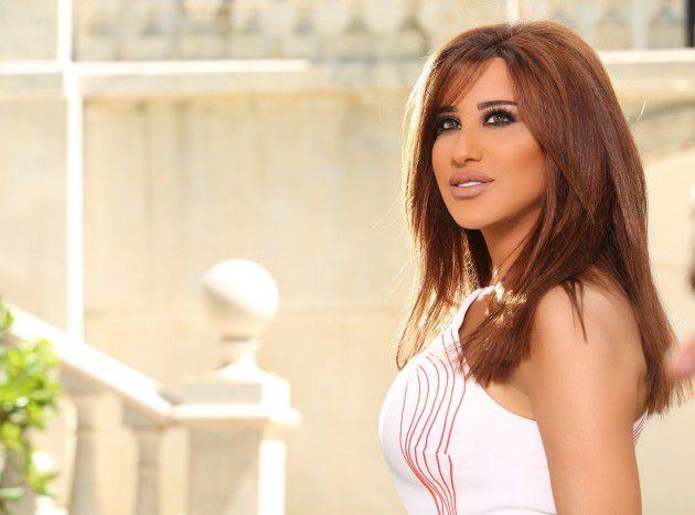 النجمة اللبنانية نجوى كرم