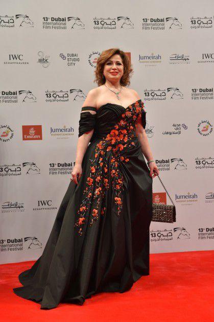 الممثلة المصرية إلهام شاهين خلال حضورها إحدى المناسبات
