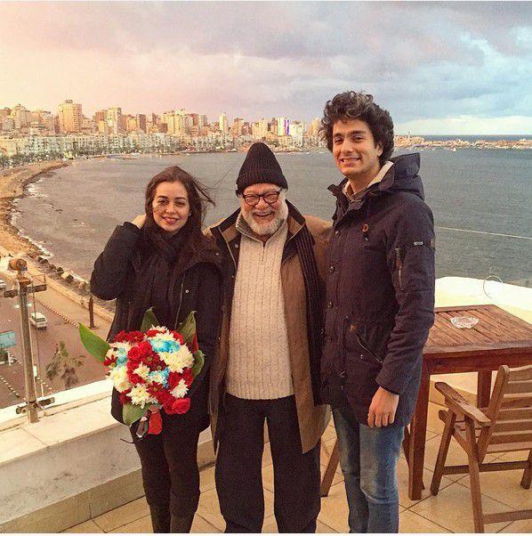 هبة مجدي بأحدث صورة لها مع يحيى الفخراني وزوجها محمد محسن