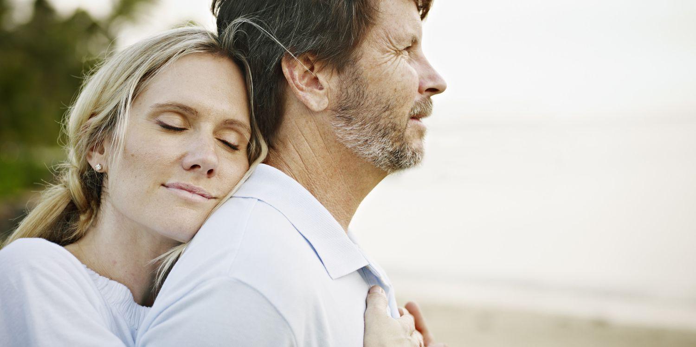 الرجل يعشق المرأة التي تعرض نفسها عليه