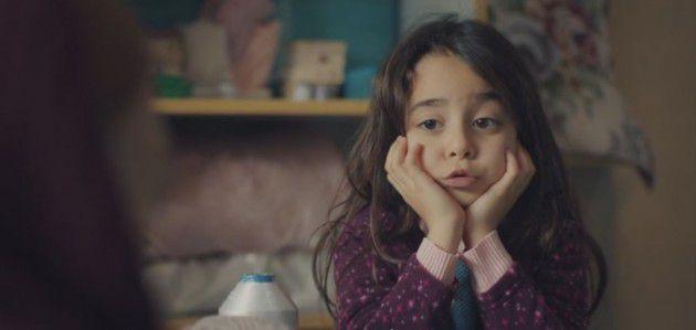 طفلة تركية تغني أغنية أمي 0
