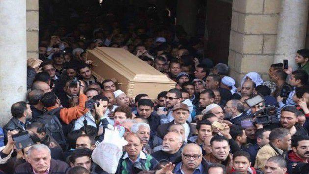 مظاهرة شعبية في جنازة كريمة مختار