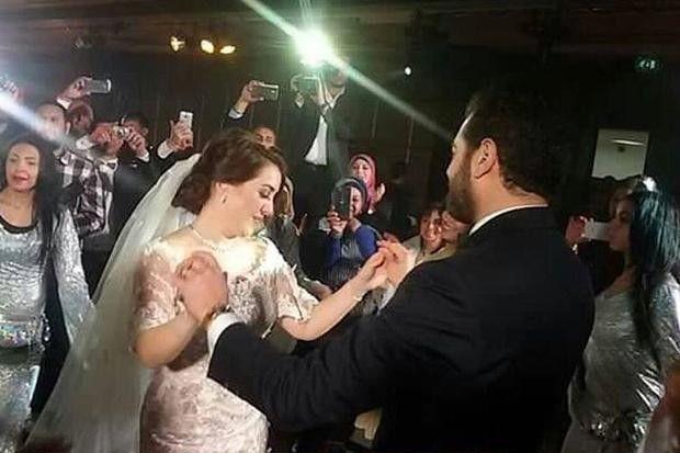 عمرو يوسف وكندة علوش في زفافهما  الأول