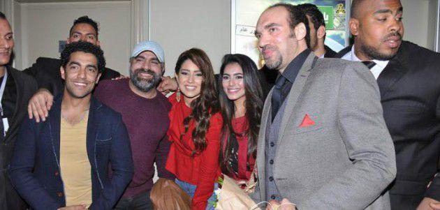 أيتن عامر مع محمد شاهين وميدو عادل وولاء الشريف ومؤلف الفيلم