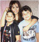 النجمة السورية ديما بياعة مع طفليها من تيم حسن
