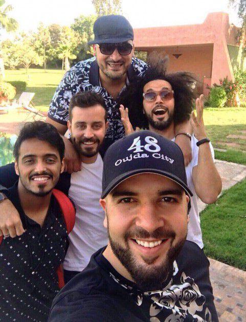 سلفي الدوزي مع أصدقائه