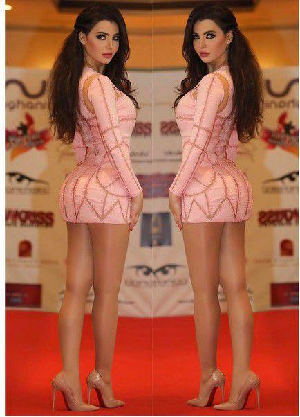 قمر اللبنانية بأقصر فستان
