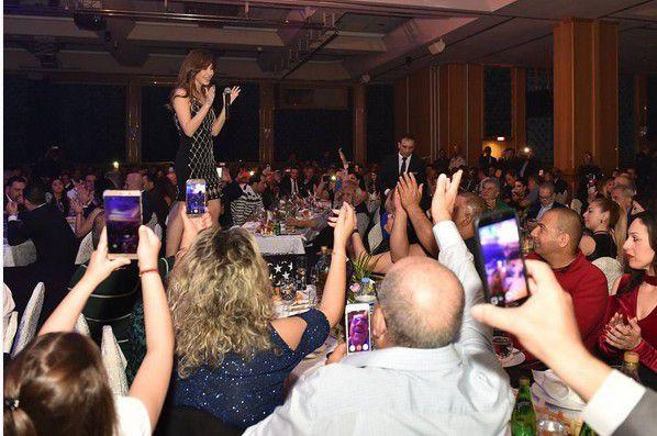 نانسي عجرم في حفلها في قبرص