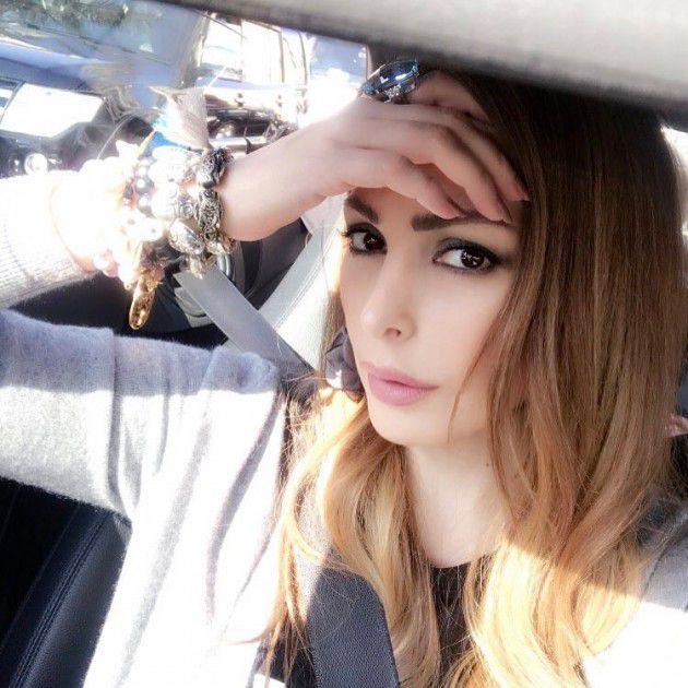 المطربة اللبنانية أمل حجازي بأحدث سلفي