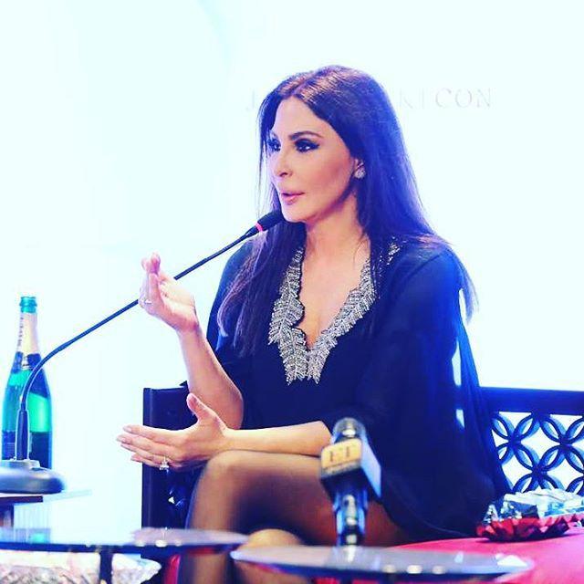 النجمة اللبنانية إليسا في افتتاح معرض (جمالك كن)