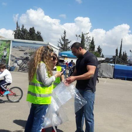 حملة دفى تجمع التبرعات في بيروت