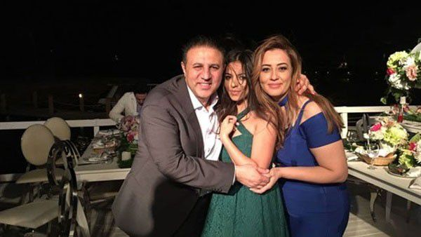 شيرينوجدي وزوجها إيهاب طلعت يحتفلان بعقد قران ابنتهما