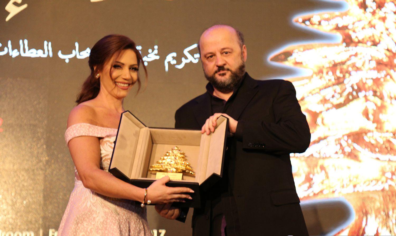 كارن بستاني ووزير الإعلام اللبناني ملحم رياشي