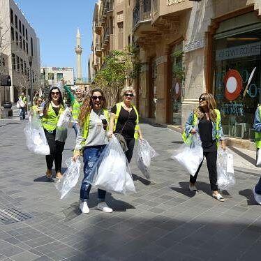 متطوعو حملة دفى في وسط بيروت