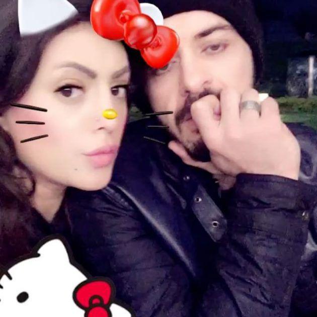 الزوجان هيثم محمد ووفاء قمر في لقطة من شهر عسلهما