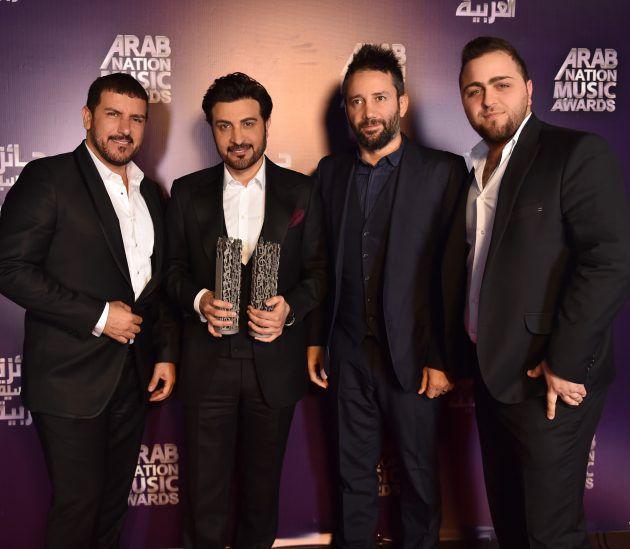 ماجد المهندس يحصل على جائزتي أفضل نجم عربي وأفضل أغنية لفنان خليجي (تناديك)