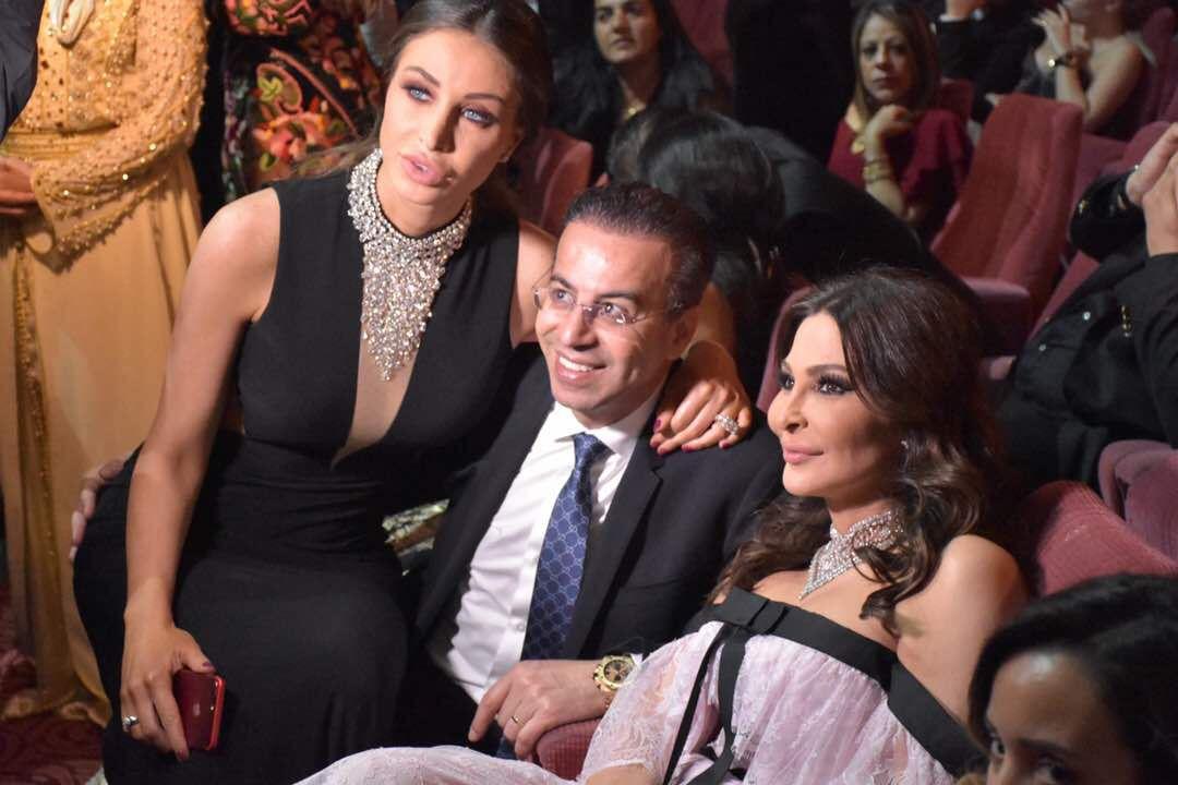 أنابيلا تجلس على حضن زوجها د. نادر صعب وإليسا ظهرت في الصورة