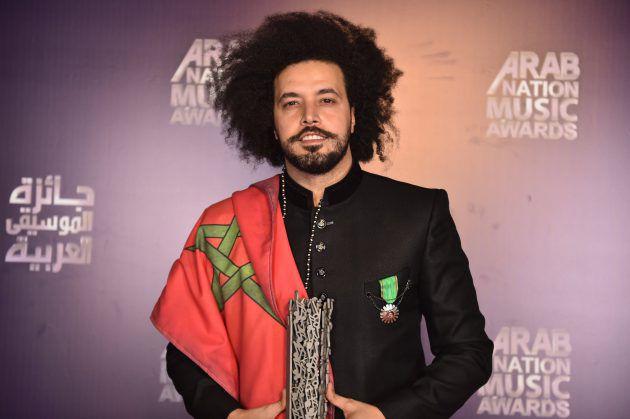 الفنان المغربي عبد الفتاح الجريني تسلّم جائزة أفضل عمل عالمي لفنان عربي