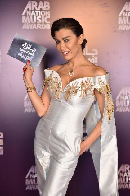 الممثلة اللبنانية نادين الراسي ب، Jumpsuit أنيق