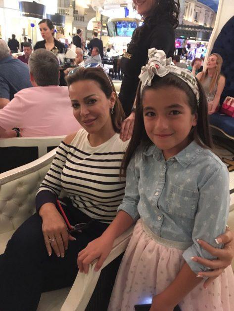 النجمة الصغيرة تاليا باشا تلتقي بالفنانة السورية سوزان نجم الدين