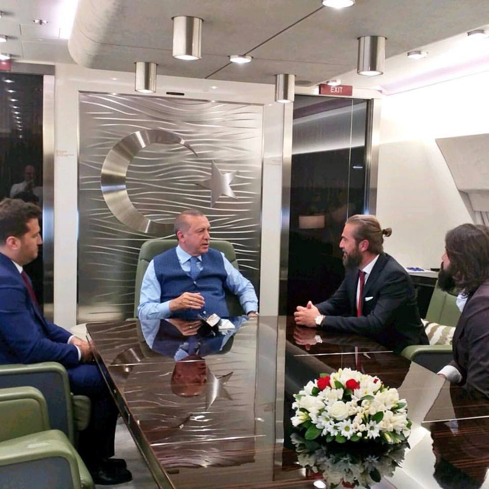 أردوغان واجتماع مع أبطال (قيامة أرطغرل)