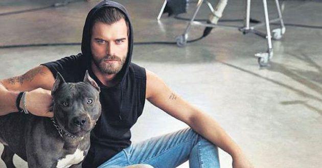 النجم التركي كيفانش تاتليتوغ برفقة كلبه