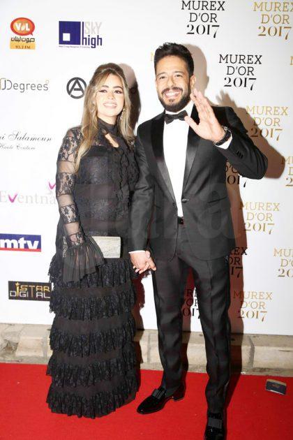 النجم المصري محمد حماقي وزوجته