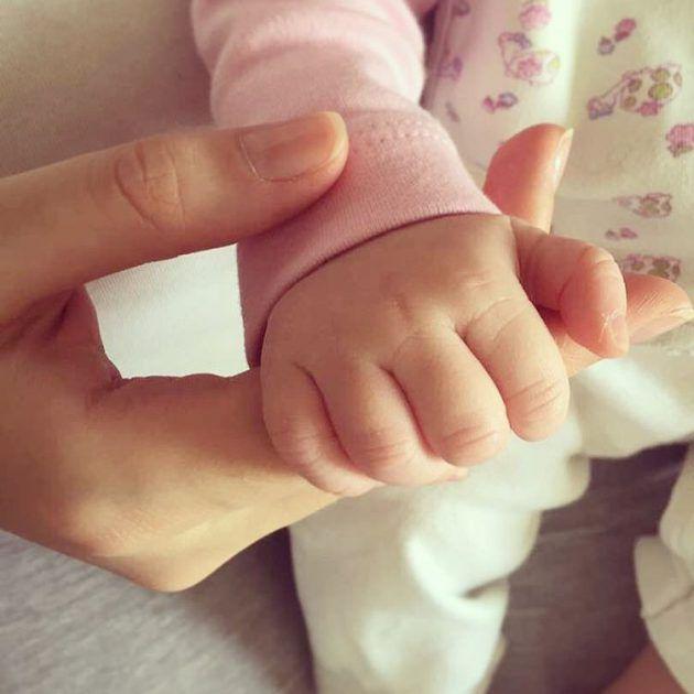 الصورة الأولى التي نشرتها هبة مجدي لابنتها دهب