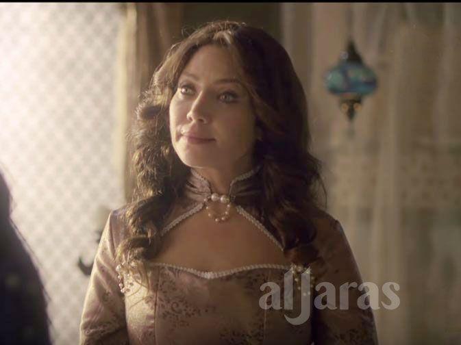 الممثلة السورية سلافة معمار