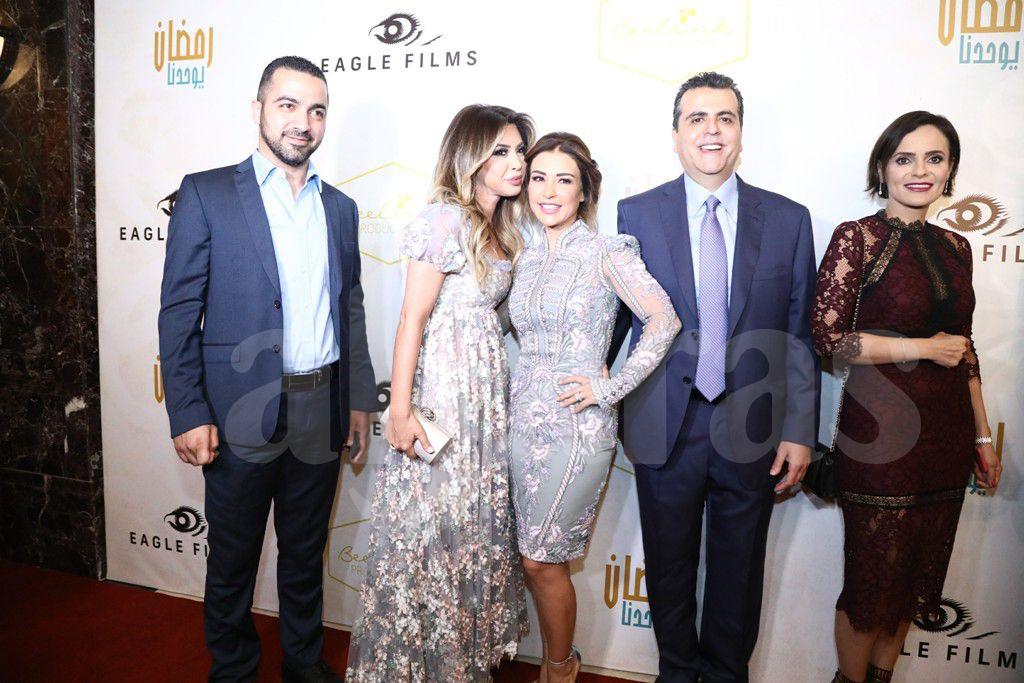 نوال الزغبي وشقيقها مارسيل الزغبي مع ماغي بو غصن والمنتجين جمال سنان وصفاء أبو رزق