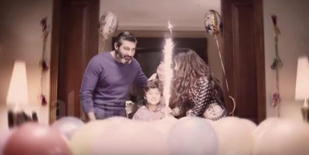 ياسر جلال يتذكر كيف كان يحتفل بعيد ميلاد ابنه مع زوجته وكلاهما قُتلا أمام عينيه ولم يتمكن من حمايتهما