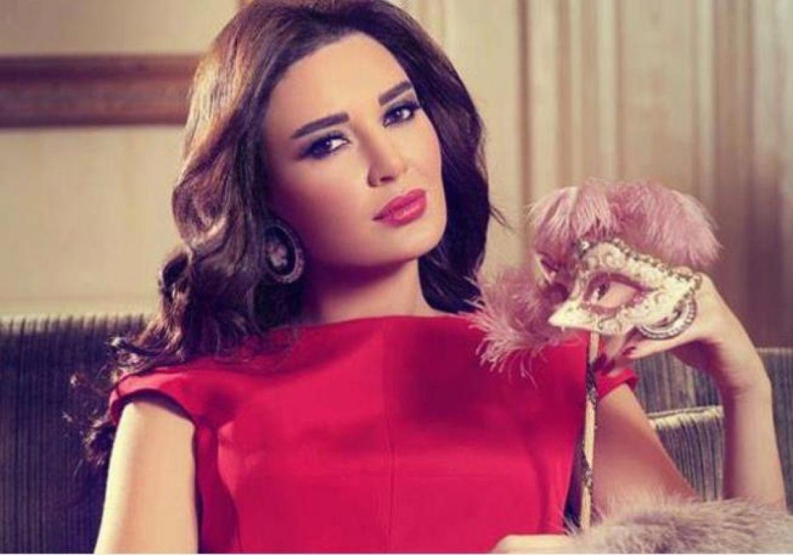 النجمة اللبنانية سيرين عبد النور