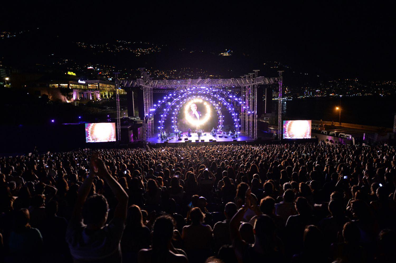 الجمهور الكبير في مهرجانات جونيه