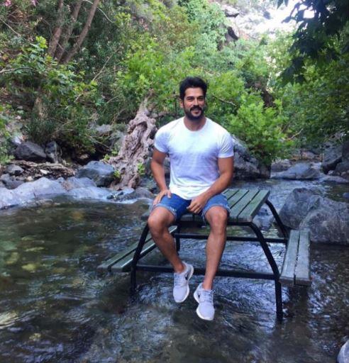 بوراك عُرف في الوطن العربي باسم كمال في مسلسل (حب أعمى)