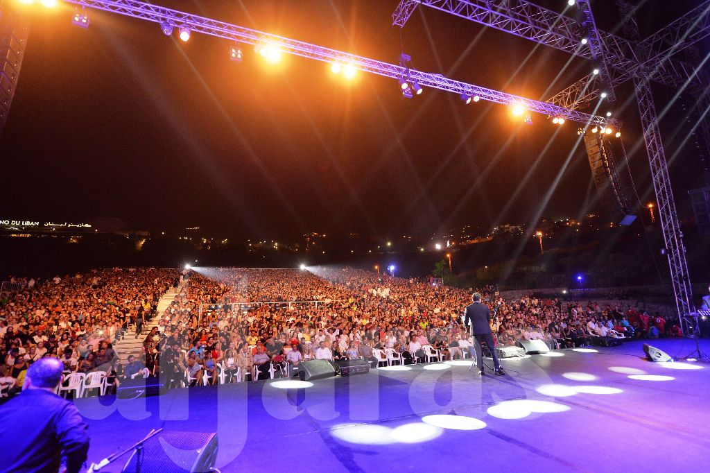 أكثر من 3000 شخص في حفل شيرين عبد الوهاب