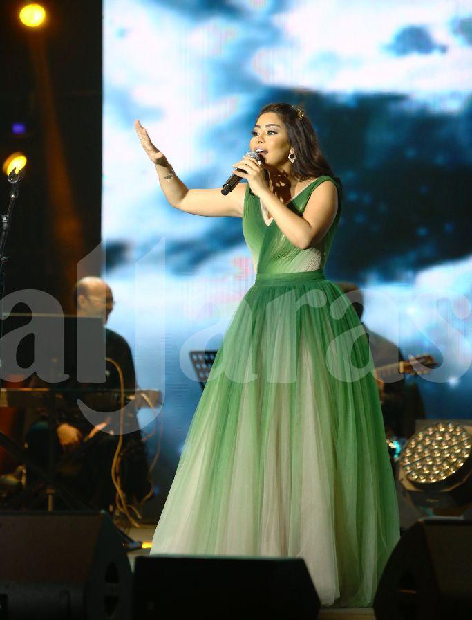 شيرين عبد الوهاب طلبت من فرقتها الموسيقية بإعادة الأغنية من جديد