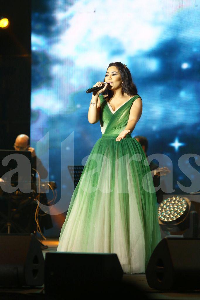 شيرين عبد الوهاب غنت باقة من أغنياتها القديمة والجديدة
