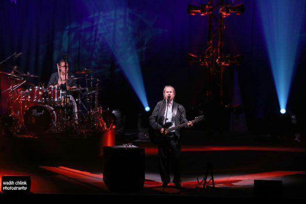النجم العالمي Chris De Burgh على المسرح