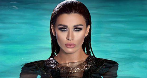الفنانة اللبنانية نادين الراسي