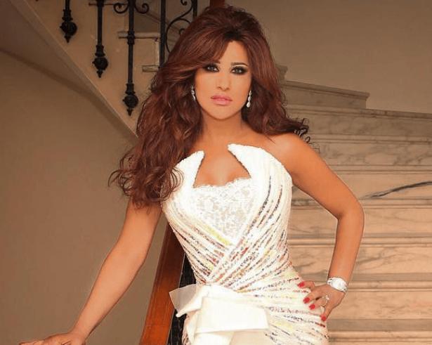 المطربة اللبنانية نجوى كرم