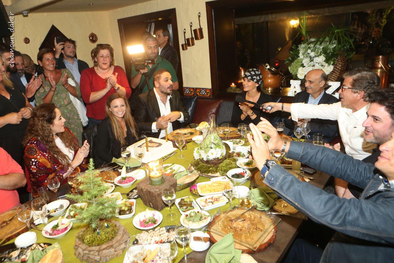 النجوم يجمتعون حول تانيا قسيس في مهرجانات الأرز