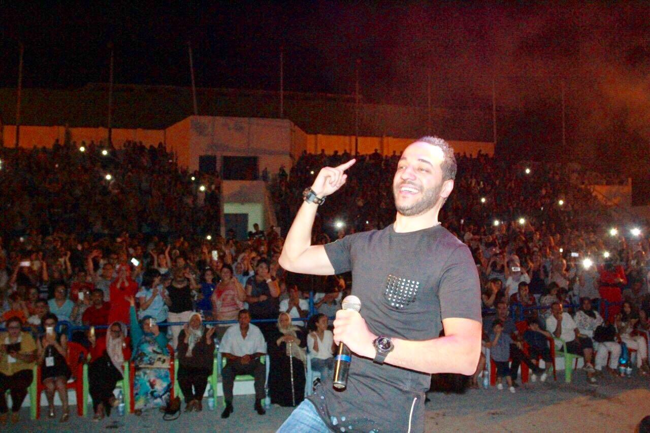 الفنان السوري حسين الديك