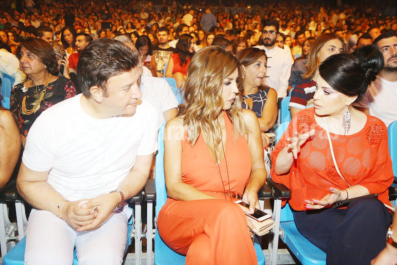 رئيس مهرجانات (بياف) ميشال ضاهر مع الإعلامية ريما نجيم والزميلة نضال الأحمدية